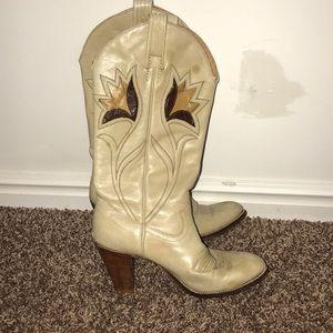 Vintage women's cowboy boots